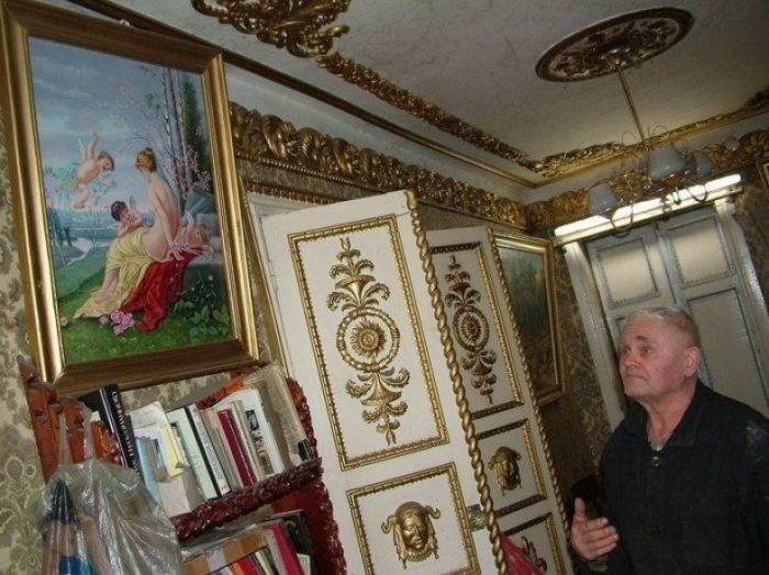 Старенький будиночок в Брянську ховає в собі королівські апартаменти